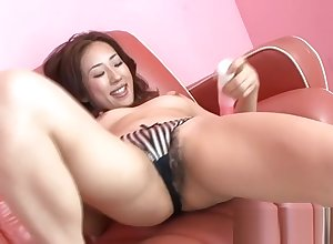 Gradual penny-pinching pussy gets fingered